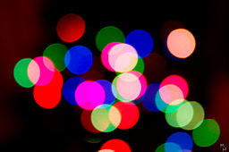 256px-Happy_Holidays_(3116643221)